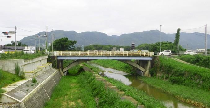 新本山小橋